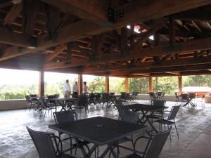Afton_Mountain_Vineyards_Pavillion